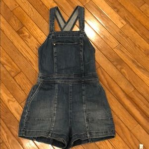 Abercrombie & Fitch Short Overalls.  Size 00
